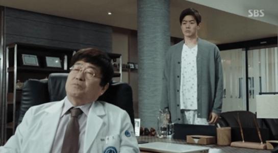 韓国ドラマ「耳打ち(ささやき)」6話 父を訪ねるイ・ドンジュン