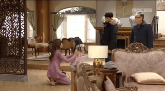 吹けよ、ミプン第32話 ユジンを抱きしめるパク・シネ