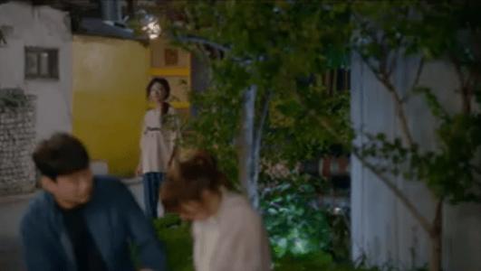 韓国ドラマ「サム、マイウェイ」10話 遠くから見ているペク・ソリ