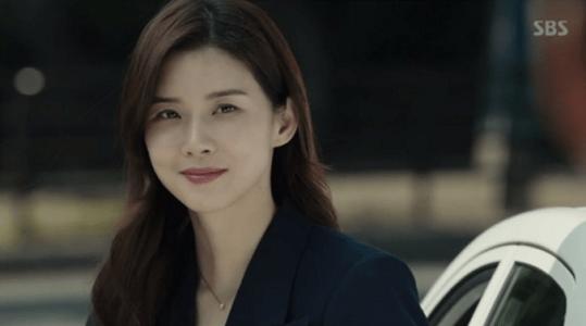 韓国ドラマ「耳打ち(ささやき)」第17話(最終話) イ・ドンジュンを迎えるシン・ヨンジュ