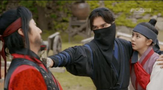 「君主(クンジュ)~仮面の主人~」第6話 ガウンを助けるイ・ソン