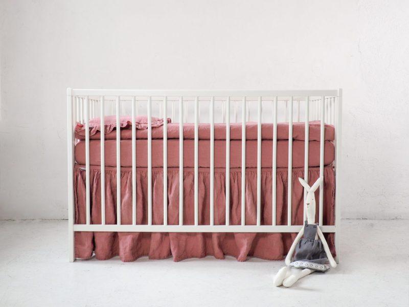 Falbanka do łóżeczka różowa