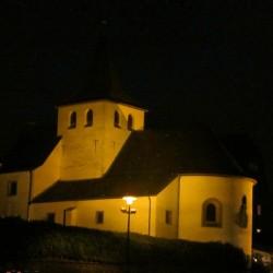 Kapelle in Rodenkirchen bei Nacht