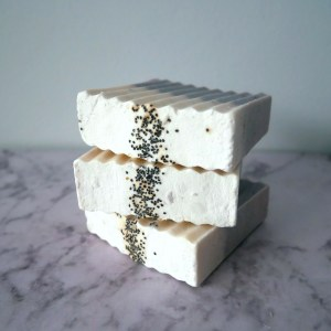 cold process soap - poppy seed