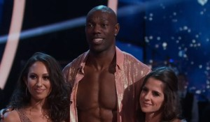 kelly-monaco-dwts-trio-week-night-gh-sam-abc