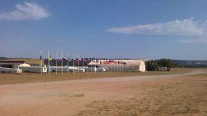 EGC vlaggen halfstok