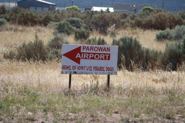 Parowan airport sign