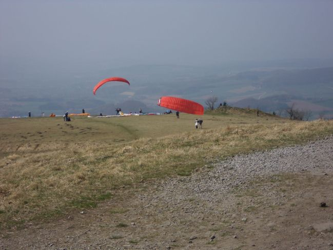 para gliders on the southern ridge