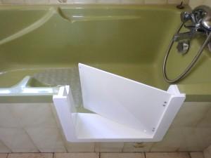decoupe de baignoire ouverture avec