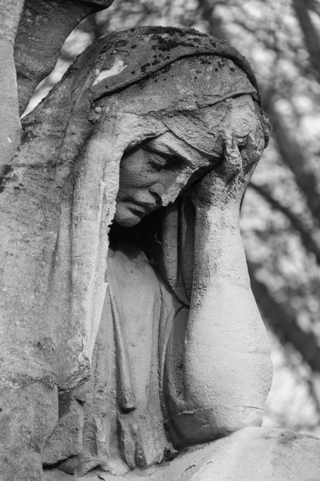 Weeping mourner, Père Lachaise. Copyright Fiona Michie.
