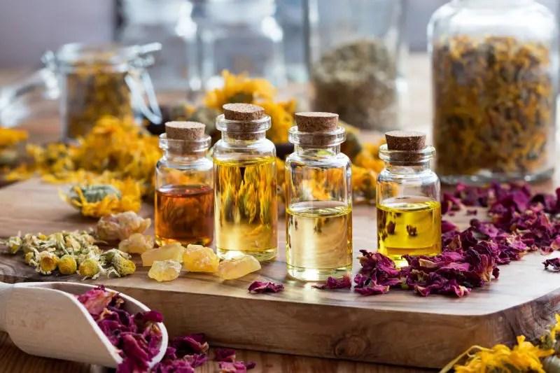 L'aromathérapie et l'aromachologie à la maison
