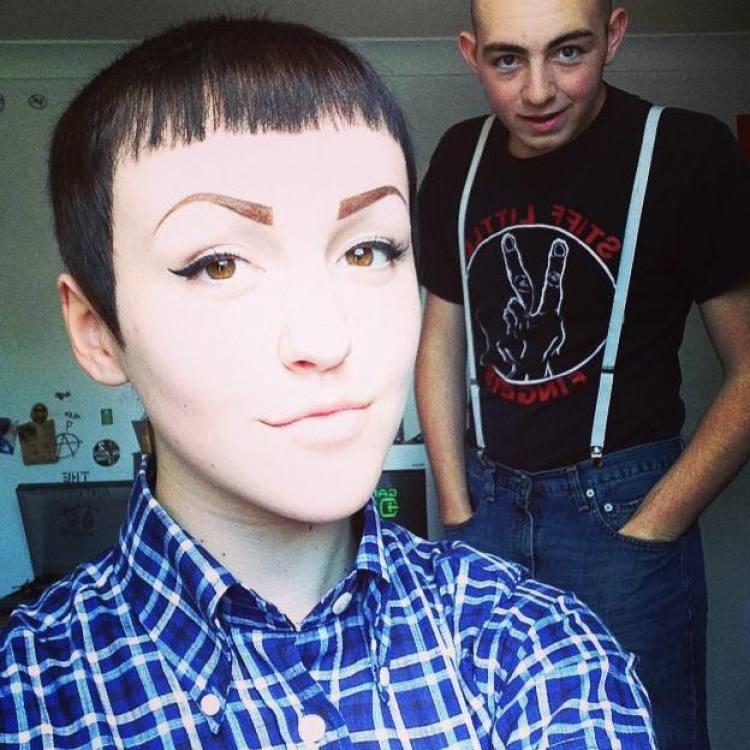 skinhead-girl