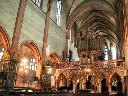 Visita a la Iglesia de Saint Pierre le Jeune, en Estrasburgo