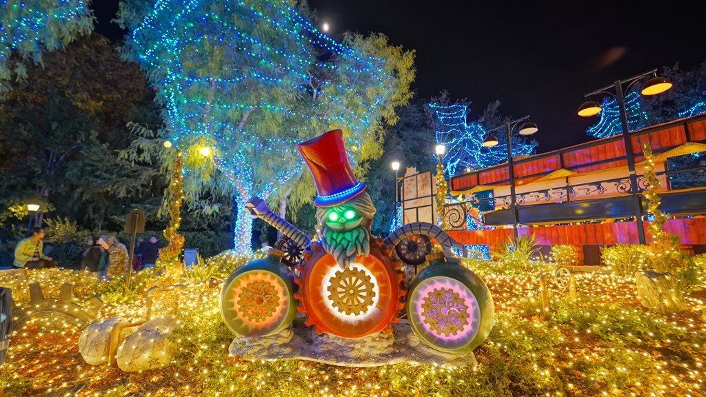 Magic Mountain Christmas Ornaments 2020 SoCal Attractions 360 – Six Flags Magic Mountain Holiday in the