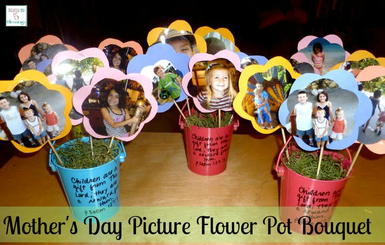 Looking for that perfect Mother's Day gift?  Check out these 25 pretty Mother's Day Crafts for Kids.  They are also great crafts and gifts to make as Christmas and birthday presents for women.