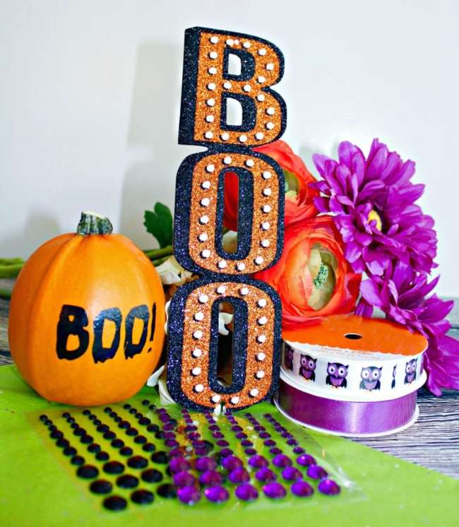 """Do you enjoy Halloween? Check out this new modern day tradition called BOO'ing! Sometimes called """"Ghosting"""" or """"the Phantom"""", Halloween BOO'ing is an autumn take on the traditional """"Secret Santa"""". Usually seen in neighborhoods--but sometimes in the workplace --BOO'ing is a friendly tradition for Halloween fun."""