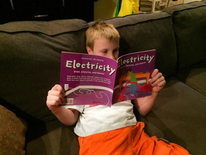 Are you looking for a new and creative way to teach students about electricity? Check out these Top 5 Virtual Field Trips About Electricity For Kids that are great for children ages 7 and up.
