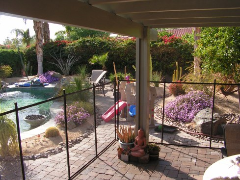 removable pool fence around patio