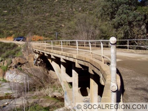 black-canyon-railing-side