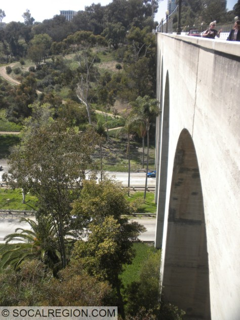 Side view showing some of the arches and the freeway below.