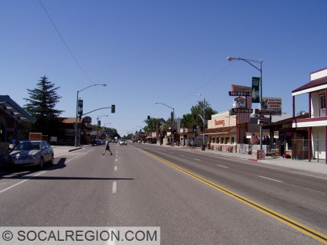 North along US 6/395 in Lone Pine