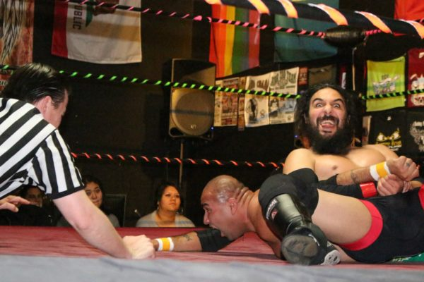 SBWA from 11/27/13: Before H.A.T.E., Ray Rosas was being a little funny while locking in a submission hold on Robbie Phoenix.
