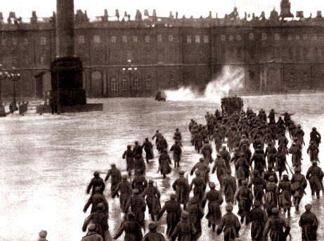 Stormen på Vinterpaladset i Petrograd
