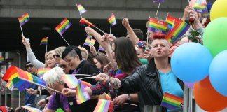 Den første eurpæiske pride-parade i København, er samtidig den første i Danmark. Se 26. juni nedenfor (Billedet er fra oslo 2014) Kilde: https://da.wikipedia.org/wiki/Europride#/media/File:Europride_parade_2014.jpg