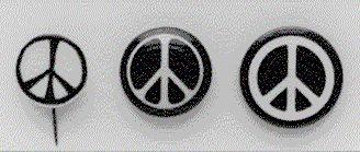 Tre tidligere udgaver af fredstegnet.