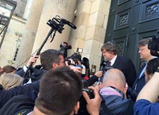 Jørgen Dragsdahl foran Højesteret. (Foto: Jacob Holdt, privat foto fra Facebook-profil)