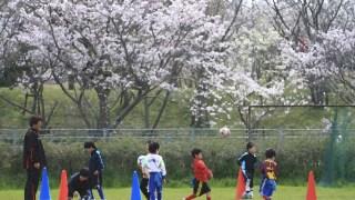 サッカーのボールキープのドリブル練習はどうやってするの?
