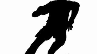 サッカーのドリブルが上手い人は腕を使ってドリブルする!?