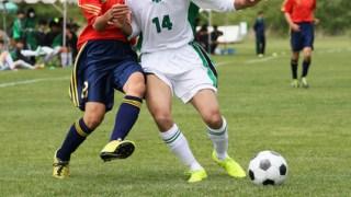 サッカーで相手選手と正対してドリブルすることが大切な理由