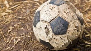 古いサッカーボールの捨て方とまだ使えるボールの処分の仕方!
