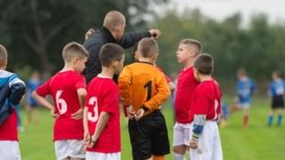 サッカーの監督になるにはどうすればいいのか?