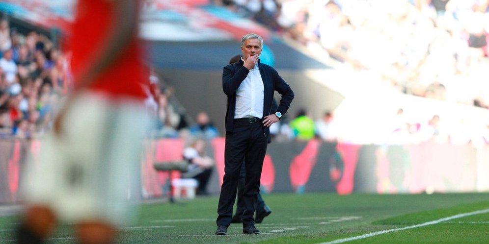 Perbedaan Gaya Melatih Mourinho Dan Guardiola Menurut Scholes