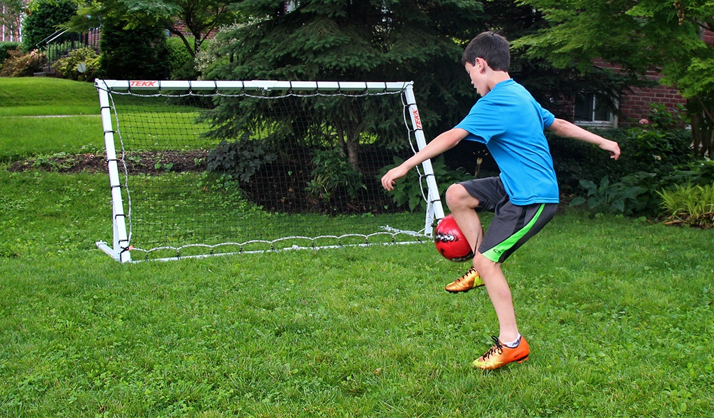 Soccer Rebound Board - A Soccer net that returns the ball