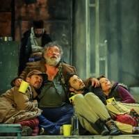 Mindig van lejjebb – A mélyben című Gorkij darab bemutatója az Örkény Színházban