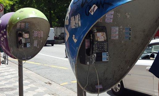 Téléphone public _ Photos de Rémy