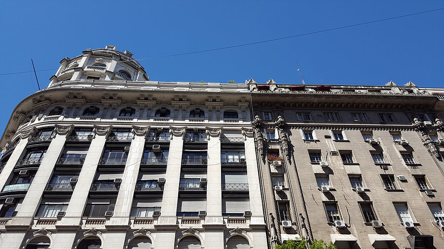 Immeubles et rues _ Photo de Rémy
