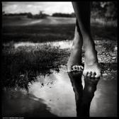 black-and-white-photography-surreal-favim_com-442310