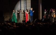 Cristal Marie y Nathalie Peña Comas sumaron sus voces junto al gran tenor una gran noche