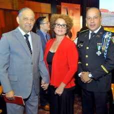 Luis Eduardo Lora , Betty Echavarria de Lora y General Javier Torres Dotel.
