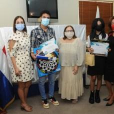 Claudine Nova, Abdul Qadeer Khan López, Mirna Pimentel, Aymar Ramírez López y Ana López.
