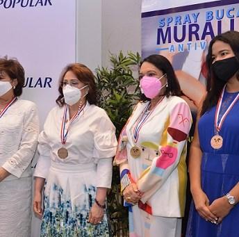 Medallas al Mérito: Liliana Khoury de Santana, Adela Baez, Cesarina Morel de Graf y Pryslim Penso