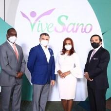 Lorenzo Pereyra, Martín Otiz, Paola Sánchez y Freddy Novas