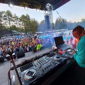 DJ LopeToms se presentó en Barnaul