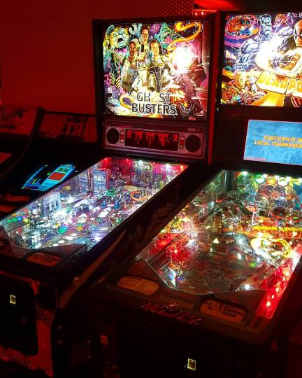 retro pin ball machine ghost busters and deadpool