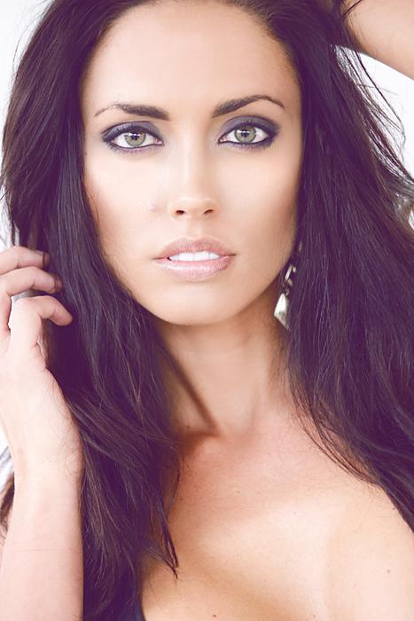 Los Angeles model- lifestyle magazine- social magazine (5)