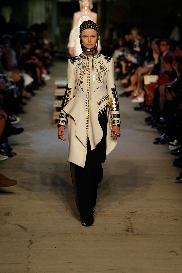 Givenchy-Models-NYFW-2015-6